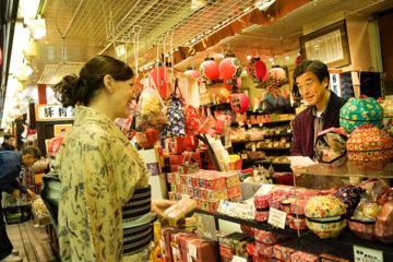 芸者がが同行するプライベート カスタム ショッピング ツアー