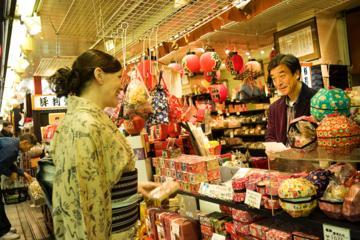 芸者が同行するプライベート カスタム ショッピング ツアー