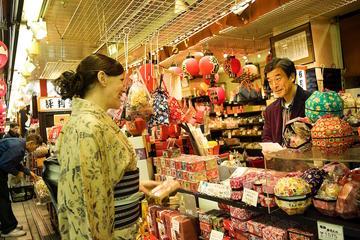 Antiques market tour