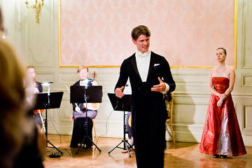 Explore Vienna: Daily Private Waltz Courses for Groups from 5 to 7 Couples