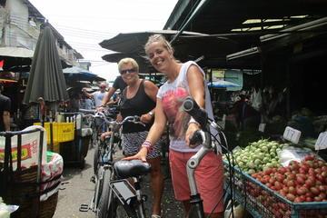 ランチ付きのバンコクの田園地帯と水上マーケット…