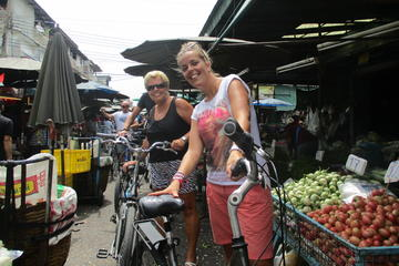 Countryside Bangkok and a Floating Market Tour
