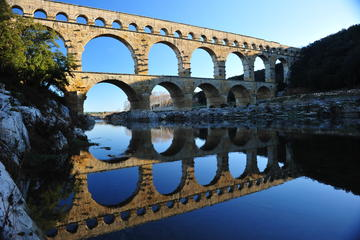 Visite guidée d'une journée en petit groupe de la Provence historique...