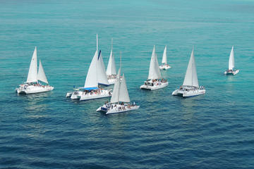Isla Mujeres Sailing and Snorkel Cruise