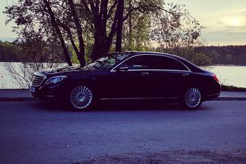 First Class Airport Limousine Transfer: Stockholm City to Arlanda...