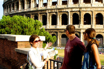 Private Colosseum and Roman Forum Tour with Hotel pick-up and drop-off