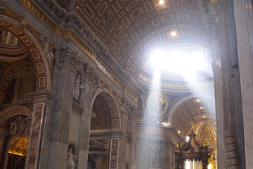 Recorrido privado al Vaticano y la...