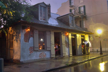 New Orleans Private Pub Crawl History Tour