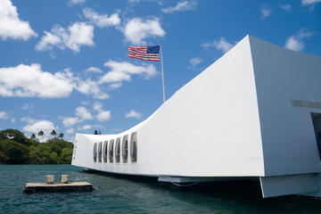 Pearl Harbor USS Arizona Memorial and Oahu North Shore Tour from Maui