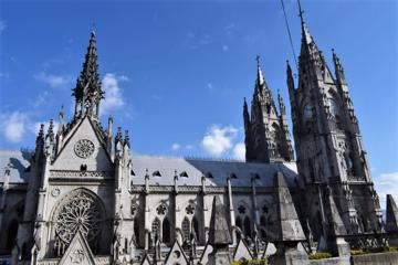 Quito Best Markets in Quito & Local food Tour