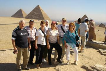 Private Day Tour: Giza and Museum from Hurghada by Car