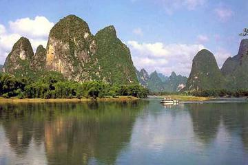 Cruising the Li River in Guilin