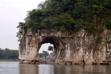 Private Guilin Half Day Tour including Li River, Reed Flute Cave and...