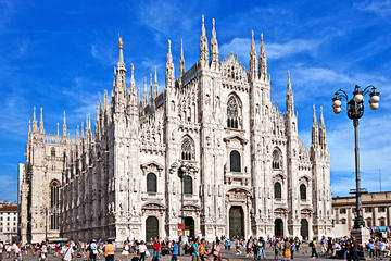Milan City Center Sightseeing Walking ...