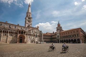 Modena Private Walking Tour with a Local Guide & Tigella Tasting