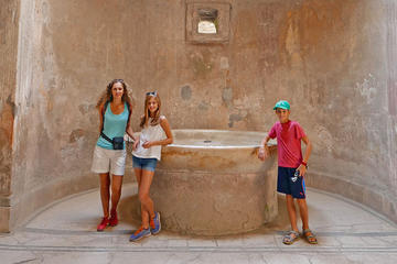 Private Herculaneum Tour for Kids and Families