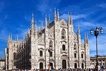 Skip the Line: Milan Duomo and Rooftop Small-Group Tour