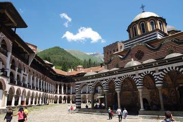 Excursión en autobús al monasterio de Rila y la iglesia de Boyana