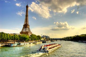 Bootsfahrt auf der Seine, Paris im nächtlichen Lichterglanz und...