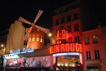 Crucero por el río Sena y espectáculo en el Moulin Rouge con una copa...