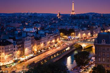 Eiffeltårnet, elvecruise på Seinen og Paris i nattbelysning