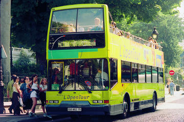 Kombinert hopp-på-hopp-av-tur i Paris: Sightseeing-buss- og...