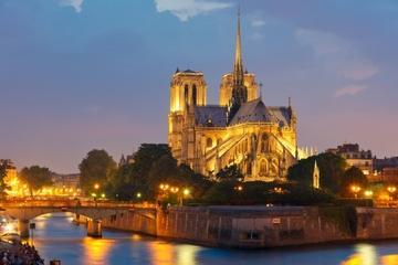 Kvällsrundtur i upplysta Paris