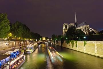 Middag i Eiffeltornet, kryssning på Seine och show på Moulin Rouge ...