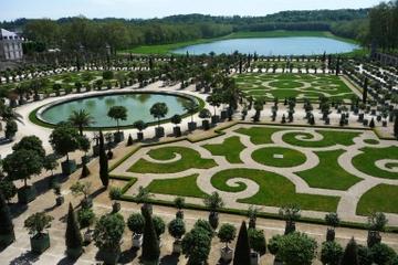 Recorrido a pie por Versalles y...
