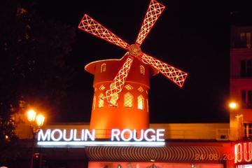 Spettacolo al Moulin Rouge con servizio di trasferimento
