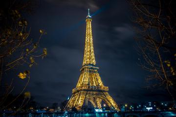 Torre Eiffel, spettacolo al Moulin Rouge di Parigi e crociera sulla