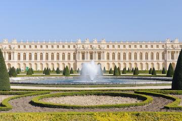 Visita para grupo pequeño a Versalles desde París con audioguía.