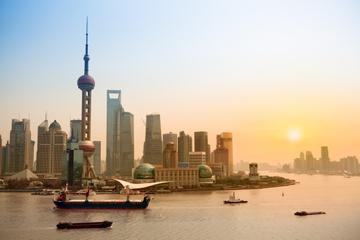 Privater Transfer: vom Internationalen Flughafen Shanghai zum...