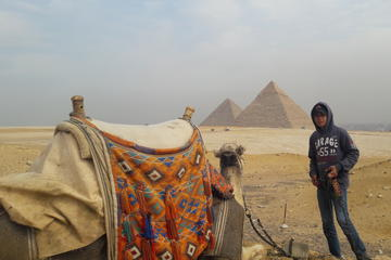 2 days tour to pyramids -city tour and ridding camel and vegetarian lunch
