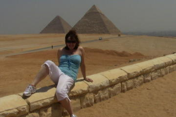 Day-Tour to Giza pyramids with Camel riding Plus Egyptian Museum From Cairo