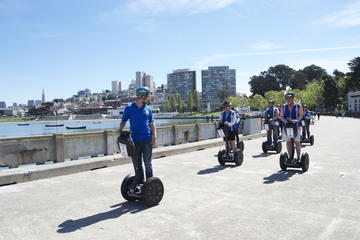 Tur på ståhjuling langs kysten av San Francisco Wharf