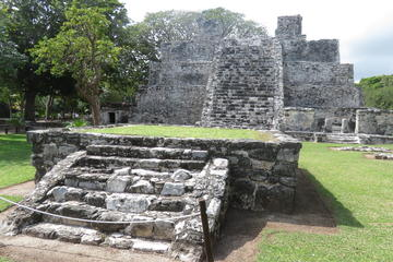 Cancun City Sightseeing Tour, including Puerto Morelos and Playa del Carmen