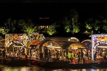 Crucero nocturno por Xoximilco en Cancún