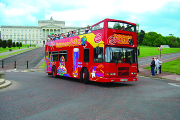 Hop-on-Hop-off-Bustour durch Belfast