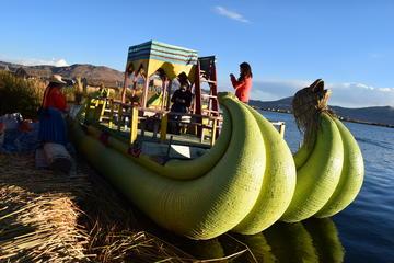 Islas de Uros y Taquile en barco rápido