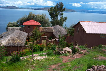 Private tour to Uros and Llachon 1d