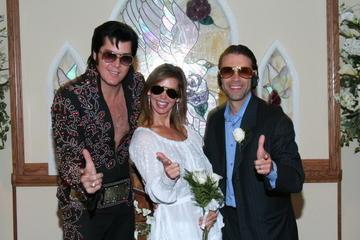 Casamento temático do Elvis na Capela Nupcial de Graceland