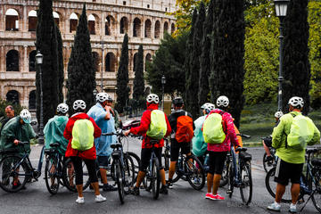 Tour in the City - Rome Highlights Bike Tour plus Colosseum Guided...