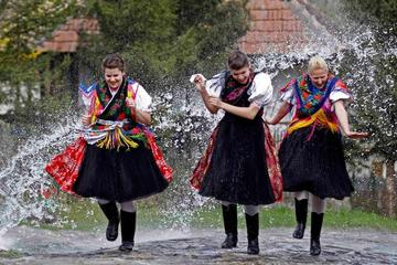 Pasqua in Ungheria, gita di un giorno a Hollókő o nella terra Matyó