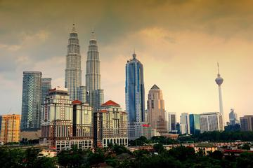 Skip-the-Line: 2-in-1 Petronas Twin Towers and Kuala Lumpur Tower...