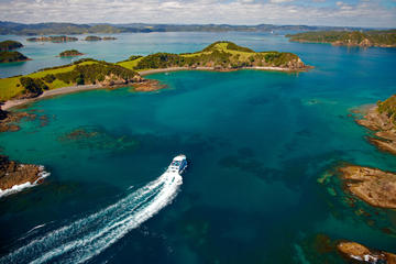 3-Day Bay Of Islands Tour including a Dolphin Cruise and Cape Reinga...