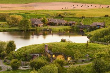 5-Day Bay of Islands, Rotorua, Waitomo Caves and Hobbiton Movie Set...