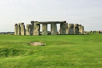 Tour di un giorno a Bath, Stonehenge e nella campagna inglese da