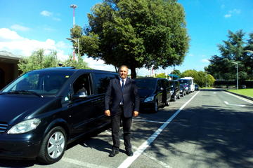 Daytrip: pickup Fiumicino FCO Airport dropoff Forte dei Marmi with Orbetello Tour option