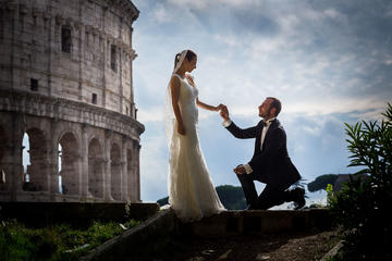 Private Shore Excursion from Civitavecchia Port: Honeymooners Rome Tour Professional Photographer Included